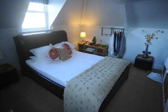 The Marine Hotel: Bedroom