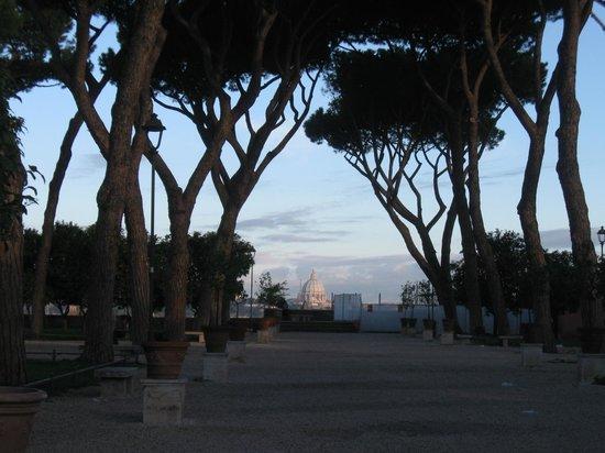 Major Aventinus Hotel: Знаменитый Апельсиновый сад, откуда виден весь Рим