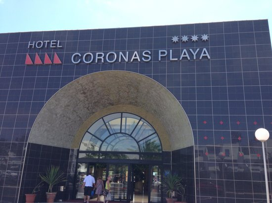Hotel Coronas Playa: Front of hotel