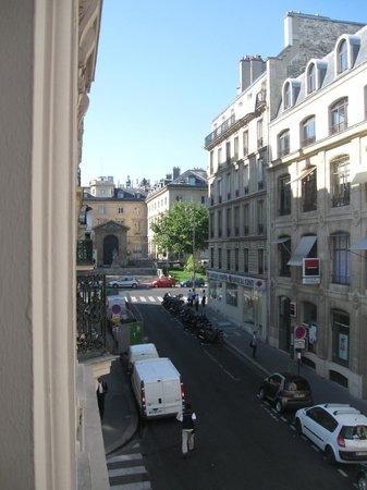 Hotel du College de France : вид из окна