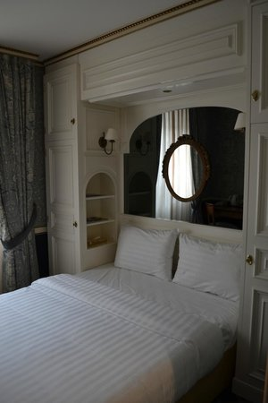 Carlton Lausanne Boutique Hotel: Bed