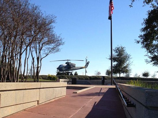 Veterans Memorial Park: Helicopter and flags