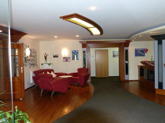 Waldhotel Vogtland: Eingangsbereich