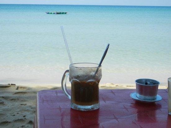 Lan Anh Garden Resort: cafe sua da !! - my love