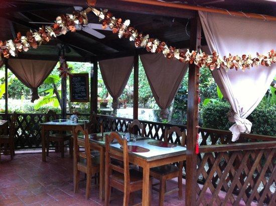 Hotel Samara Pacific Lodge : Salle déjeuner