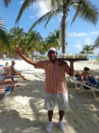 Hotel Riu Palace Riviera Maya: Super service a la Plage !