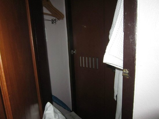 Barali Beach Resort : room