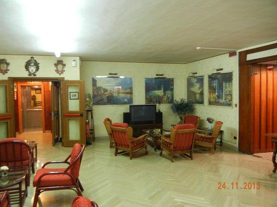 Hotel La Pace: Recepção