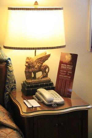 Subic Bay Venezia Hotel : The Lampshade