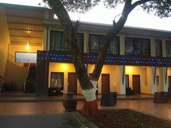 Hotel Gautam: Pleasent decoration