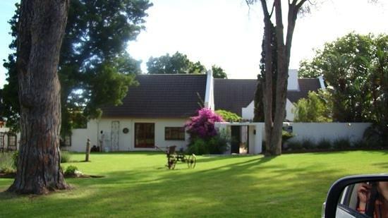 Chelaya Country Lodge: homestead