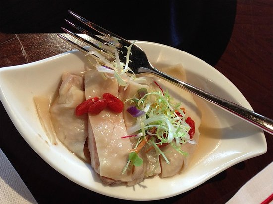 Cherry Garden at Mandarin Oriental, Singapore: Drunken chicken in Hua Diao and Rose Dew Chinese wines