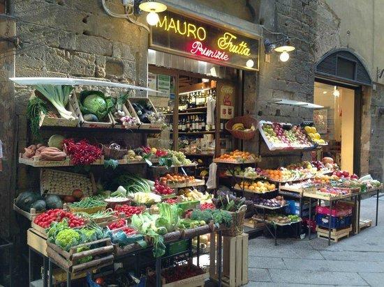 Artviva: The Original & Best Tours Italy: Local shops