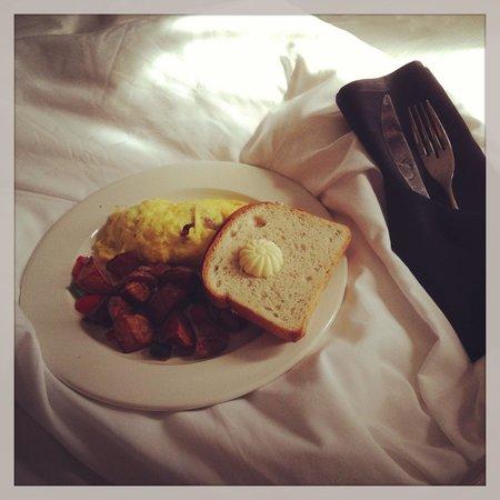 Le Meridien Dallas, The Stoneleigh: Breakfast
