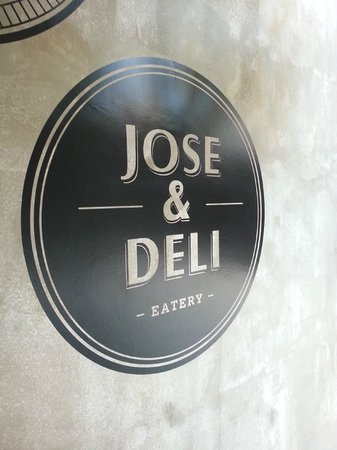 Ipoh French Hotel: Jose & Deli