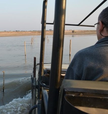 Nkwali Camp: Crossing the river to SLNP