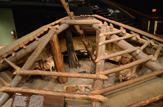 Royal British Columbia Museum: Casa típica de First Nations Canadenses
