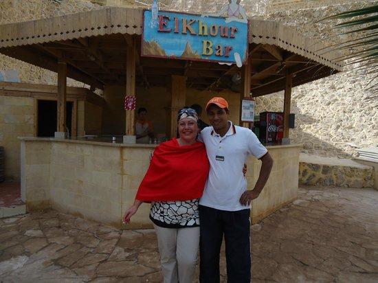 Dreams Beach Resort: Я и Махмуд-самый лучший смотритель -спасатель на пляже !
