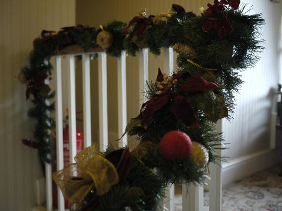 Stonegarth Guest House: Christmas decoration in the house