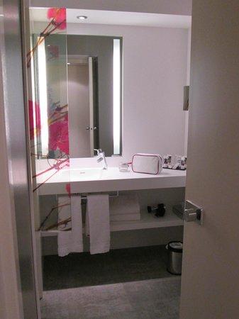 Hôtel Mercure Bordeaux : Salle de bain