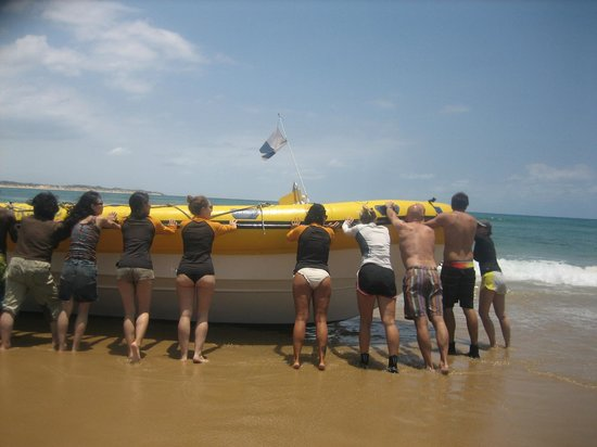 Mozambeat Motel: Wel zelf de boot in het water duwen voordat je kunt gaan duiken of snorkelen