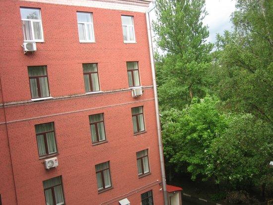 Maxima Irbis Hotel: Вид из окна на гостиницу