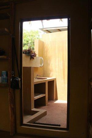 de buiten badkamer - Picture of Mozambeat Motel, Tofo - TripAdvisor