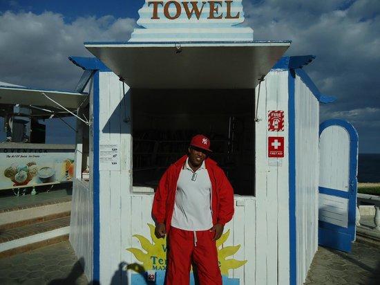 Dreams Beach Resort: Ахмед - замечательный парень !!!!