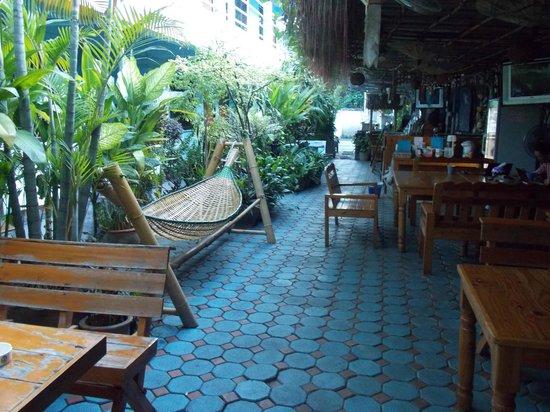 Viraporn's place: patio