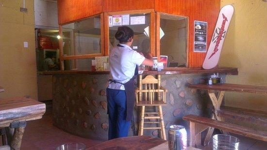 Pizzeria El Charrua: Inside