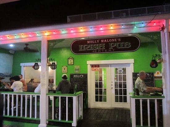 Molly Malone's-Irish Pub & Eatery : Exterior at night