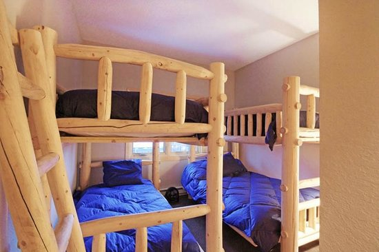 Winterpoint Townhouses: Bunk Room 2