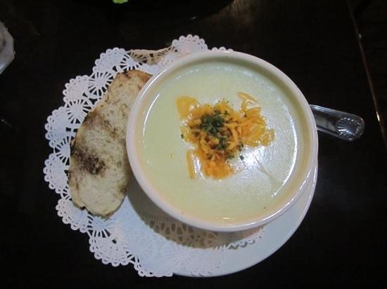 Molly Malone's-Irish Pub & Eatery: potato soup