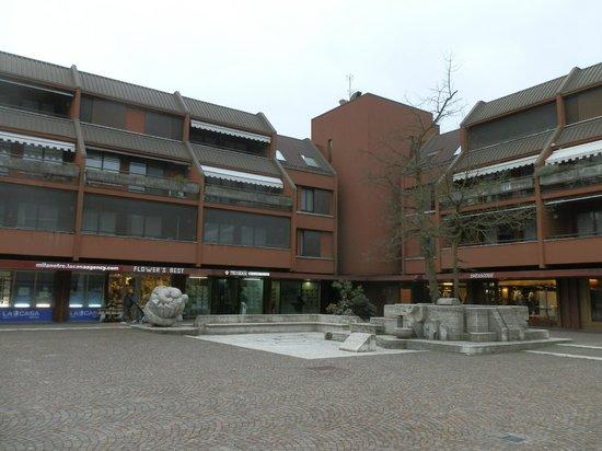 Excel Milano 3 Hotel e Residence: Вид около отеля