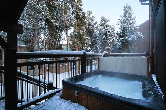 Winterpoint Townhouses: Private Hot Tub and Front and Back Decks