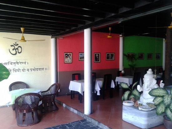 Ganesh Indian Restaurant : !