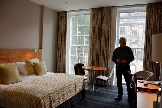 Apex Waterloo Place Hotel: Superior king, comfy bed