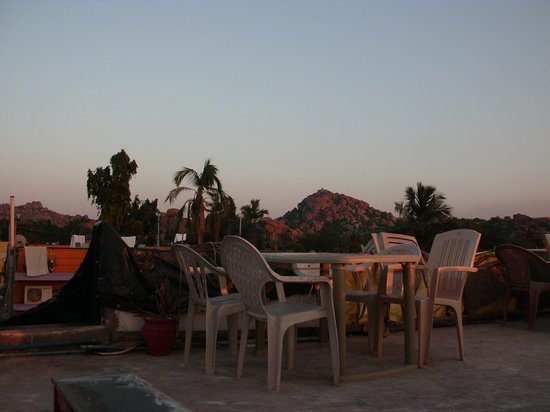 Gopi Guest House: roof terrace