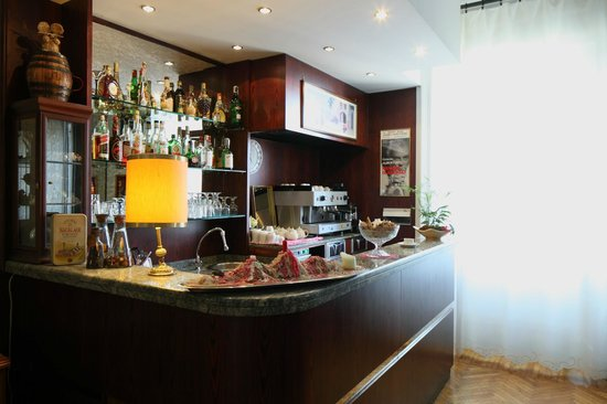 Albergo Garisenda: bar