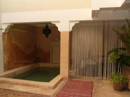 Riad Karmanda : pool area