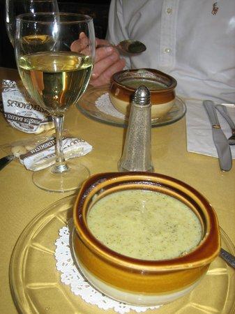 Black Seal: broccoli soup