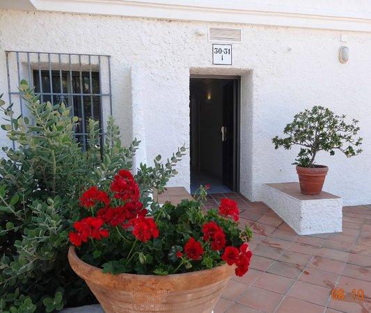 Hotel Playa de la Luz: Eingang zu unserem zimmer