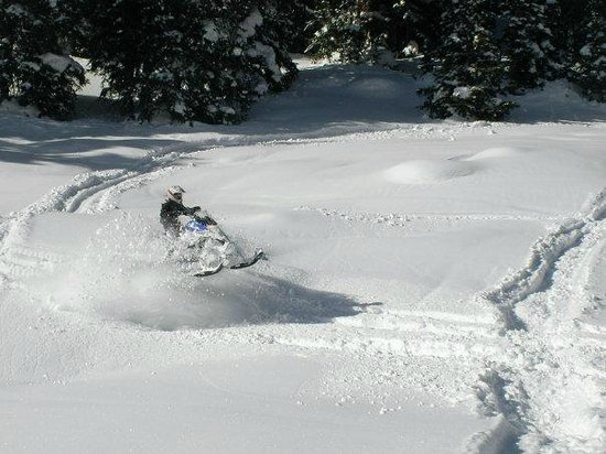 Colorado Backcountry Rentals: Powder DAY!!!