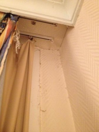 VIK Hotel San Antonio : Poor cleaning and state of repair