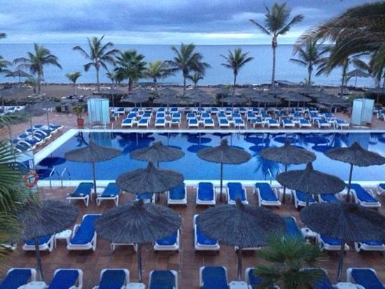 VIK Hotel San Antonio : Pool area