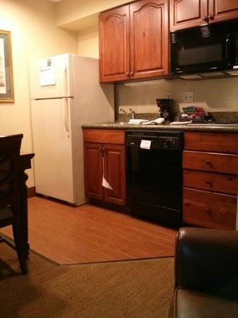 Homewood Suites by Hilton Richmond-West End: King Business w/Kitchen area