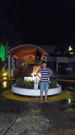 Decameron Marazul : afuera del hotel