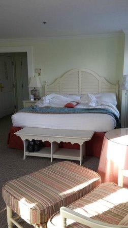 Mansion House : comfy king bed
