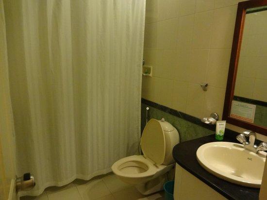 The Siena Village: Standard Room - bathroom