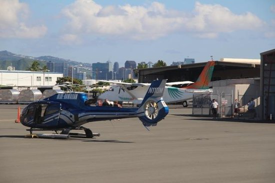 Blue Hawaiian Helicopter Tours - Oahu: Helicopter was well maintained, felt safe, easy flight